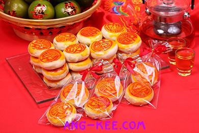 ขนมของชำร่วย แพคจีบโบว์แดง ใช้ในงานแต่งงาน หรือตรุษจีนได้ค่ะ